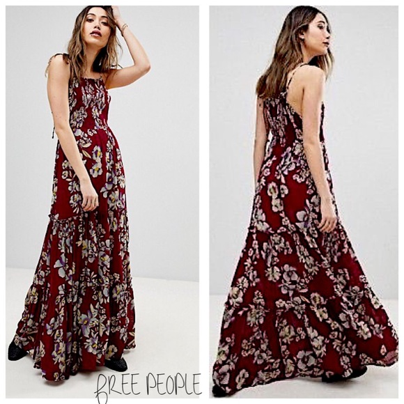 56cd57a938a6 FREE PEOPLE • Raspberry floral tropical maxi dress